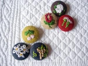 botones bordados flores