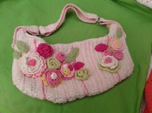 bolso_en_crochet_con_flores-941198