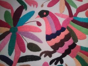 bordado exótico flor y pájaro