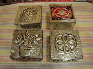 estaño cuatro cajas