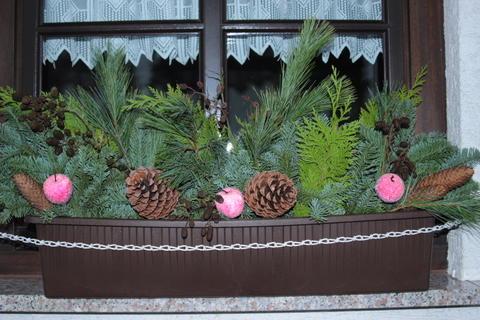 jardineras esas imprescindibles que alegran nuestros. Black Bedroom Furniture Sets. Home Design Ideas