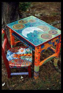 muebles pintados mesa y silla