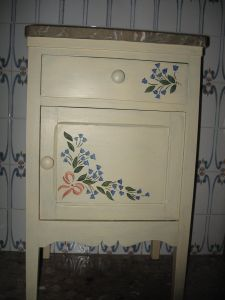 muebles pintados mesillas 2