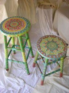 muebles pintados taburetes bonitos