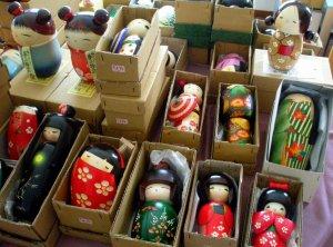 081104 Linda's Bazaar, Kokeshi Dolls (4)