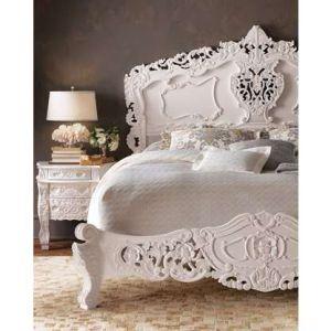 cama antigua pintada