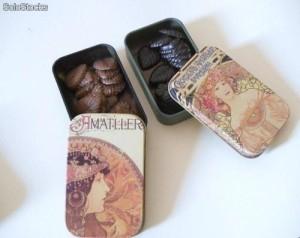 hojitas-de-chocolate-en-latas-modernistas-6707322z1-00000067