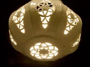 lampara-bola-chapa-pintada