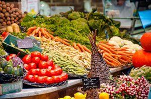 mercado-frutas-verduras-agricultores-Montpellier-sur-francia