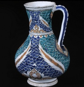 Jarra.-Turquia-Iznik.-1580-1585.-Periodo-otomano.-Fundación-Calouste-Gulbenkian-288x300