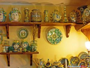110722114652-caltagirone-ceramiche-esposizione