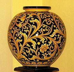 250px-Ceramic_Art_Pottery_Agatino_Caruso_Caltagirone_1