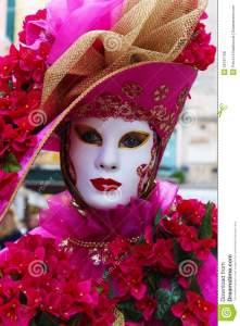 máscara-del-carnaval-de-venecia-55181158