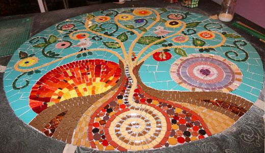 Flores en mosaico creciendoentreflores for El mural de mosaicos