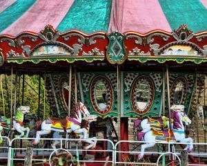 vintage-circus-carousel--merry-go-round-kathy-clark
