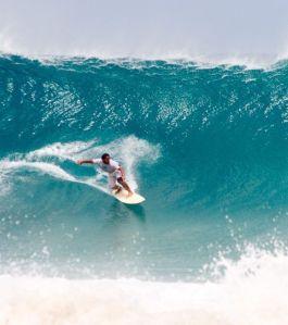 le-surf-y-est-tres-pratique-en-raison-des-fortes-vagues-de-l-ocean-atlantique-cedits-photos-michel-rios-flickr_3946_w620