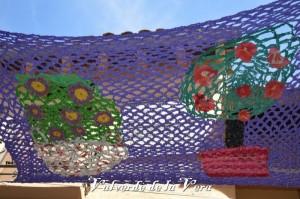 Valverde-de-la-vera-decoracion-parasol-ecologico-tejer-con-ganchillo-00024-600x399