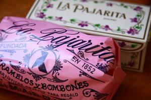 sweet-tables-desde-el-origen-de-las-mesas-mas-dulces-caramelos-y-bombones-la-pajarita