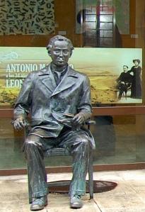 antoniomachadosoria_estatua