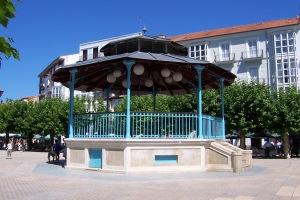 cantabria_santona_plaza_de_san_antonio_kiosco_lou